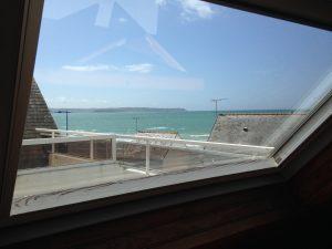 Appartement-8- Vue sur mer et la baie de Douarnenez via la chambre